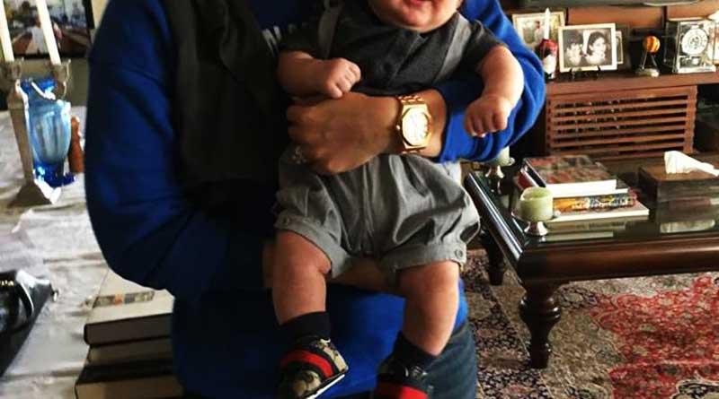 Adorable pic of baby Taimur with Kareena goes viral