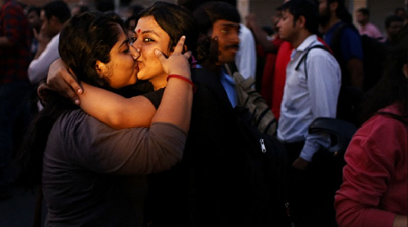 'Kiss of love' campaign in Kochi to protest moral policing