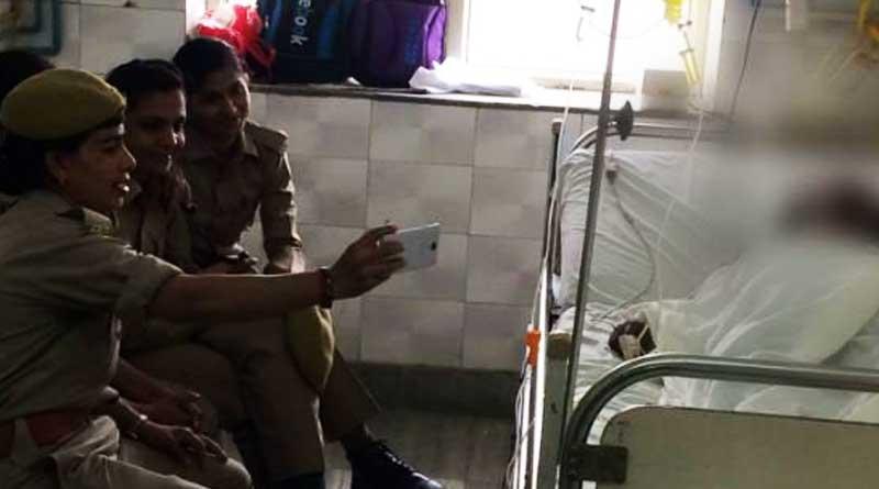 Police-Selfie