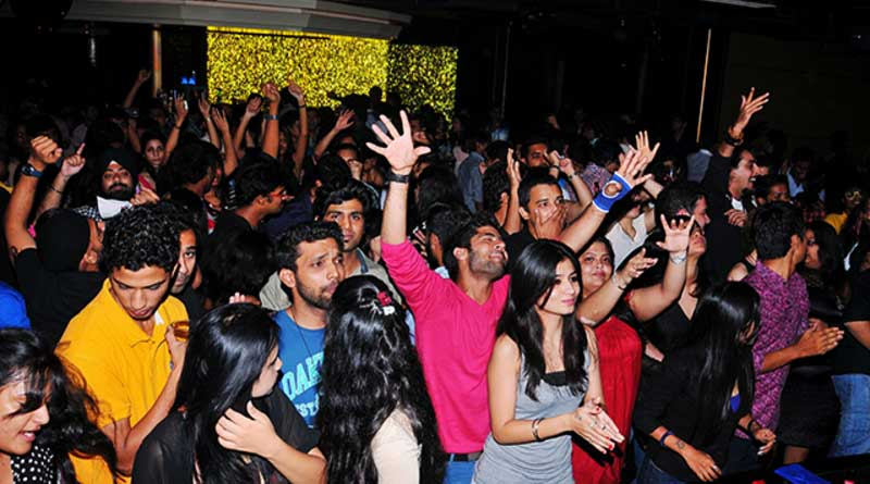 Night Party organised in Kolkata without permission, 2 held