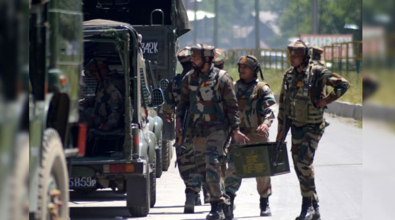 Centre backs Army jawans over 'human shield' row in Kashmir