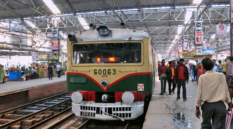 Railways likely to clamp ban on clicking selfie