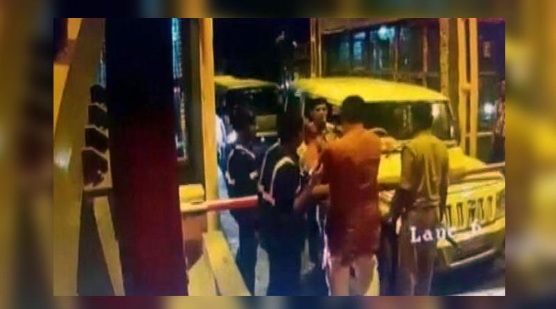 BJP lawmaker slaps toll booth employe over alleged delay