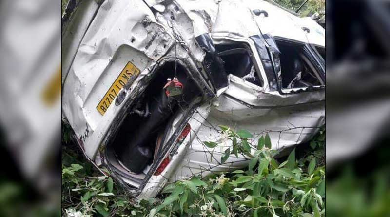 Tourist bus plunges into gorge in Lachung, 6 killed