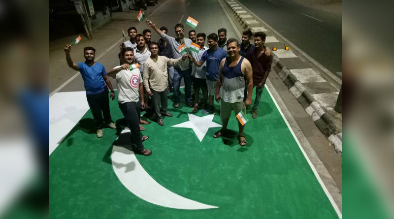 Residents in Gujarat's Anand painted Pak flag on a road to protest mutilation of 2 soldiers