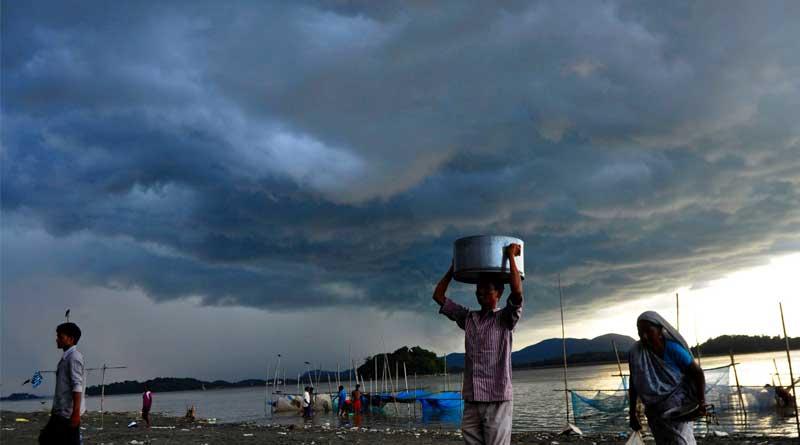 Heavy rain to lash North Bengal, predicts MeT