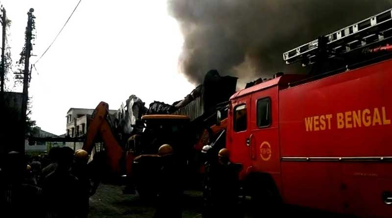 Massive fire guts plastic factory in Dhulagarh