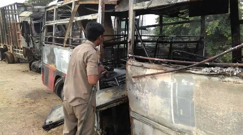 UttarPradesh: 22 people killed after a passenger bus collides with a oil tanker in Bareilly