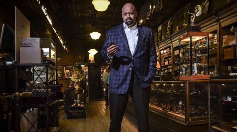 NASA analyst quits job, turns Cigar seller