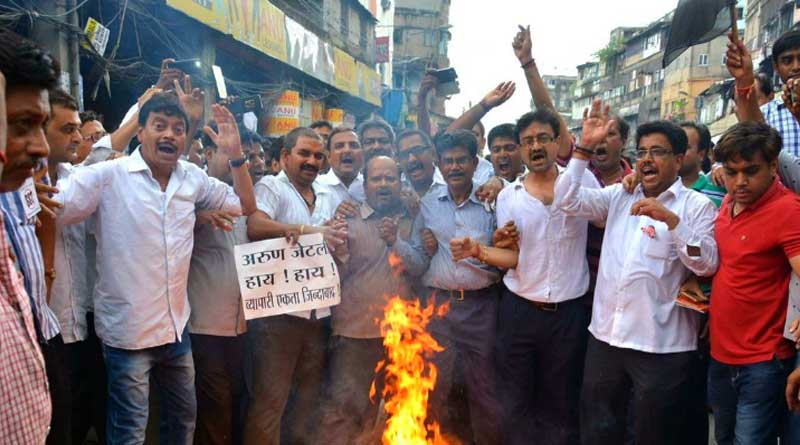 Cloth traders protesting GST baton charged by police in Surat