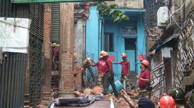 Dilapidated building collapses in Kolkata, 1 dead