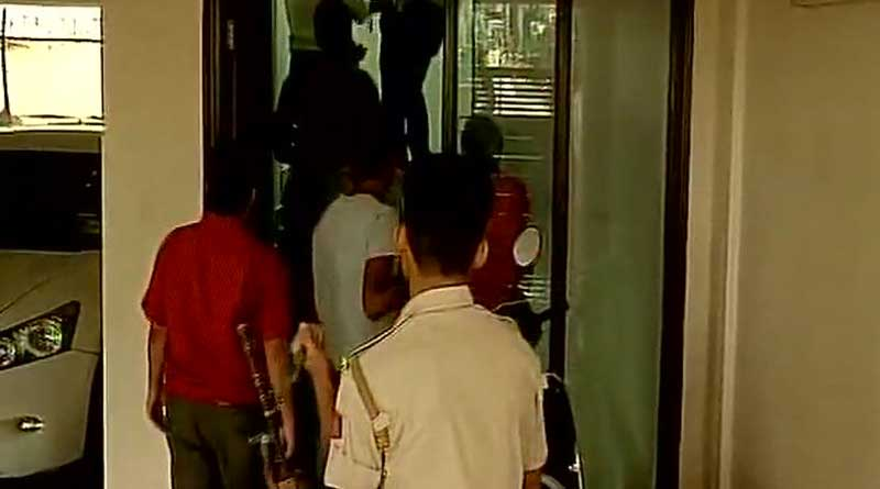 Rs 7.5 cr seized in raids conducted on K'taka minister hosting Gujarat Cong MLAs