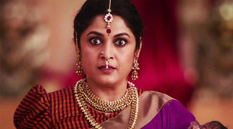 Baahubali's 'Sivagami' Ramya Krishnan's hot avatar mesmerizes fans