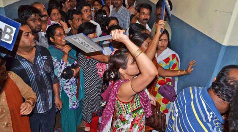 Kolkata teacher thrashes student, FIR lodged
