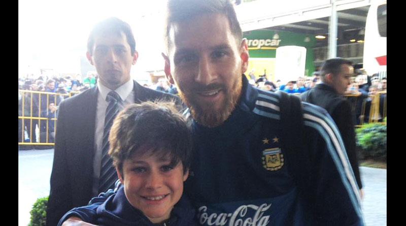 Lionel Messi breaks security cordon, fulfils kid's dream
