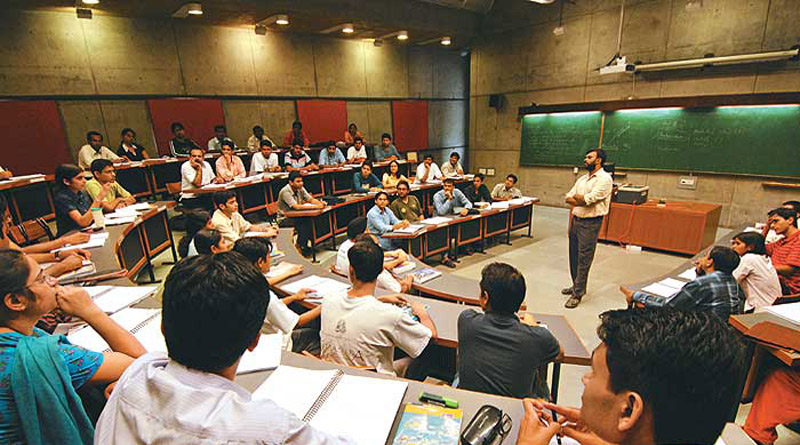 35% of faculty posts vacant in IITs, 53% in central universities