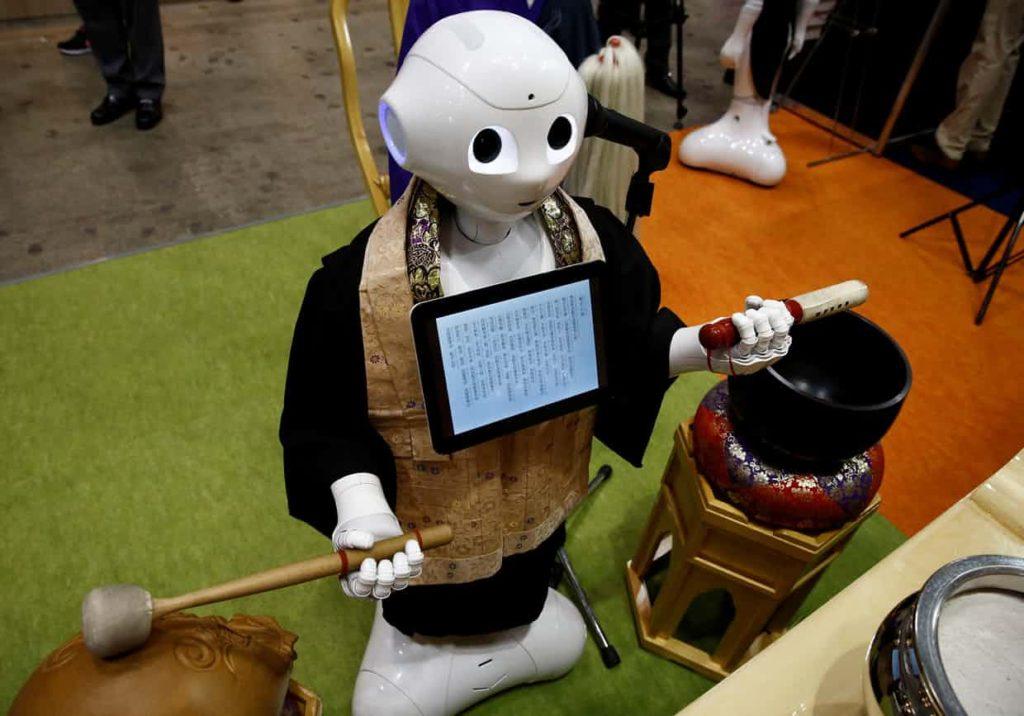 ROBOT PREIST.jpg 2