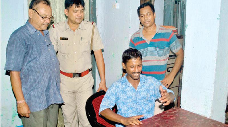 Promising singer shuns crime world on Durga Puja