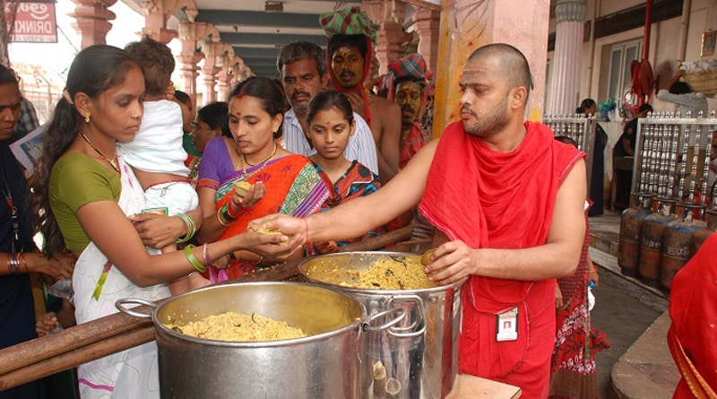 Shocking! 30 Lakh temples in India flout food safety norms