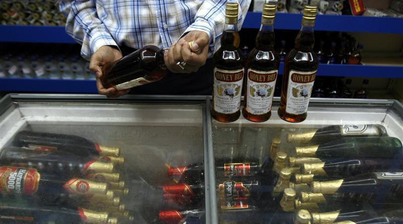 Now Aadhaar must for purchasing liquor in Hyderabad