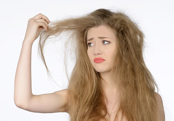 causes-of-frizzy-hair-favorable-1