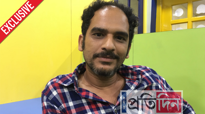 Used to sneak in 'Barir Pujos', chuckles actor Ritwick Chakraborty