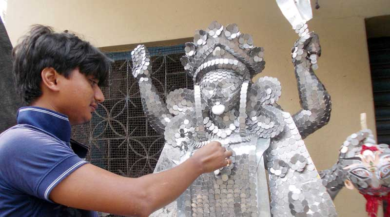 Kali idol made of junked coins enthrills hoppers