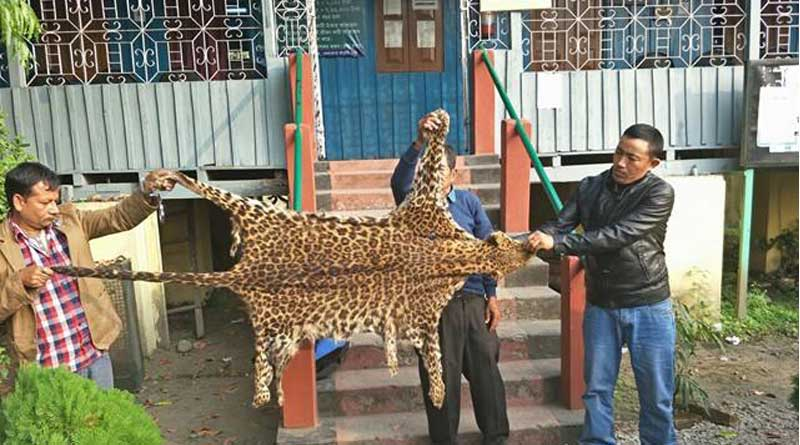 3 pouchar caught with the skin of Lepard at Siliguri