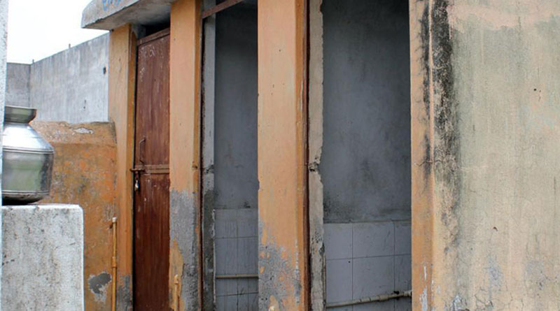 no toilet in home is 'cruelty to women', family court grants divorce