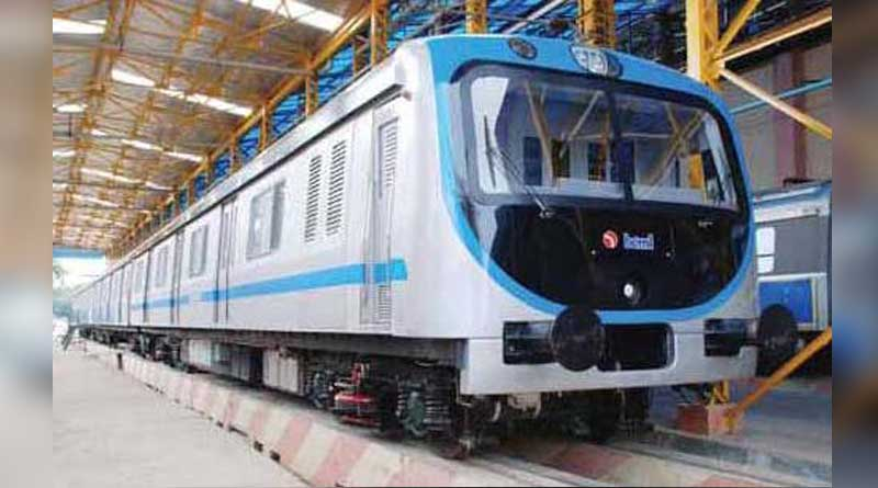 Mumbai AC local Passenger without ticket fined Rs 435