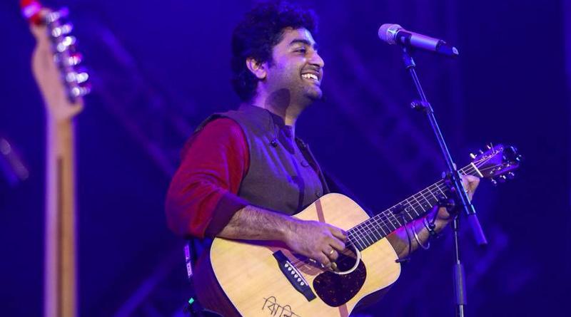 Singer Arijit Singh loses cool on stage, video goes viral