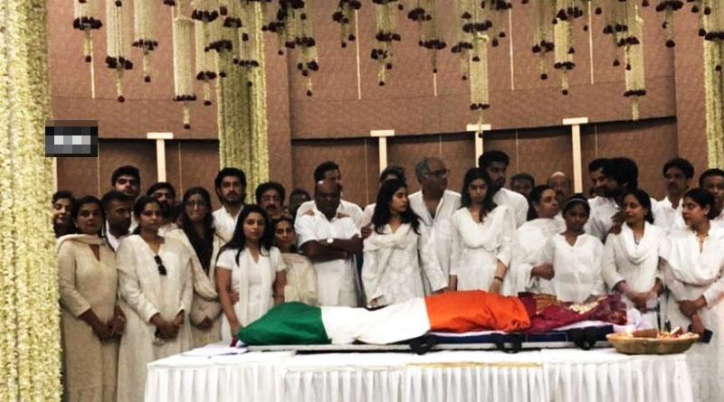 India bids teary goodbye to Sridevi