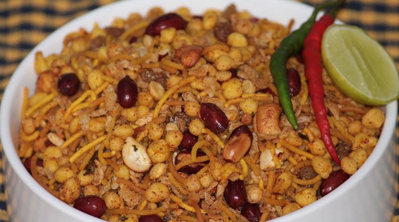 Calcutta HC orders closure of fake snacks factory in Falta