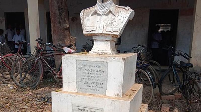 Kargil martyr's statue razed in Nadia school