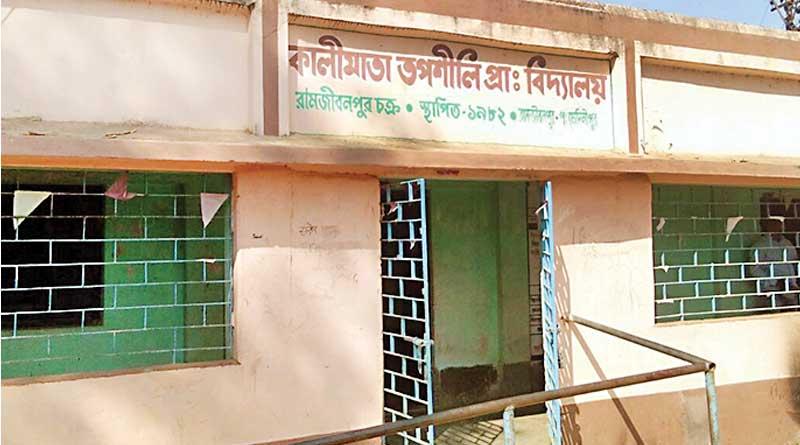 No student in school, teacher spends with locals in Ramjibanpur