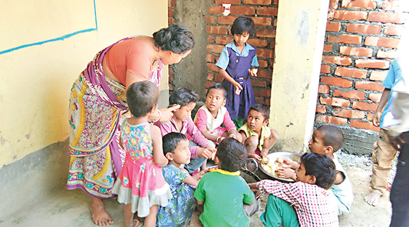 Students cook mid-day meal in N Dinajpur School