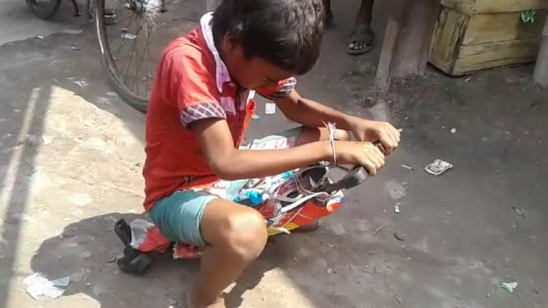Burdwan 'slumdog' fights poverty, wants to be a cop