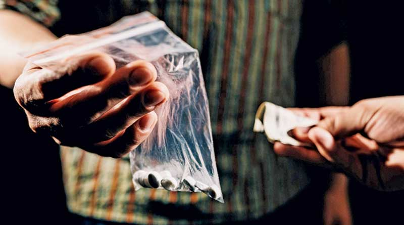 Drug mule thrashes youth in Rampurhat