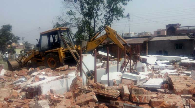 Congress office on 'encroached' land demolished in Durgapur
