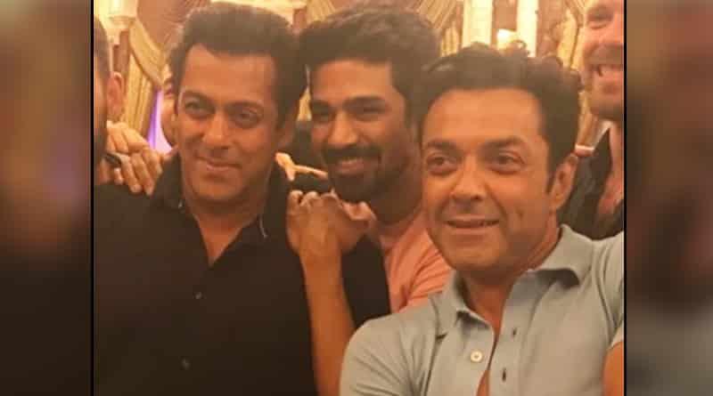 Salman Khan's gala time after getting bail in blackbuck poaching case
