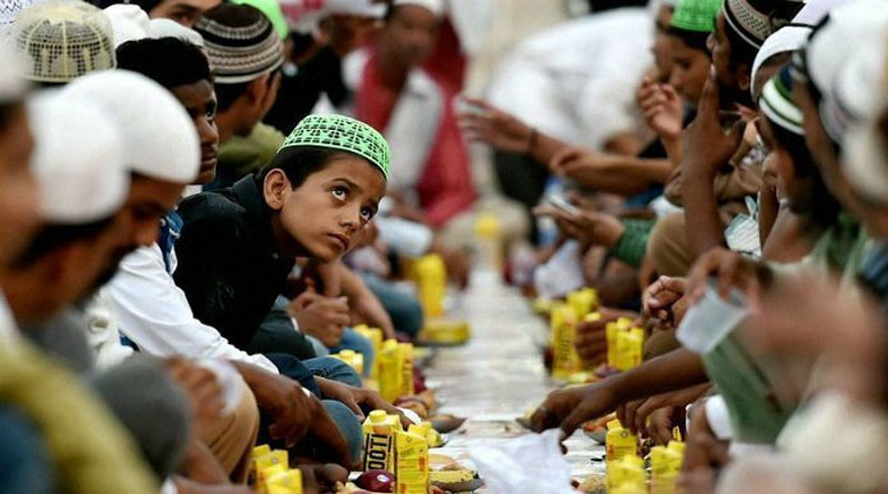200-year-old 'military' mosque offers 'green' iftar