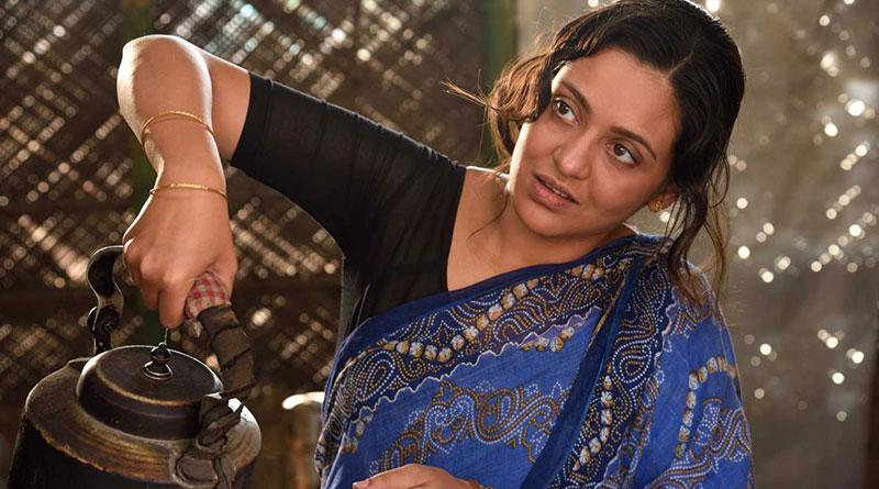 Priyanka Sarkar bags best actress award at Hyderabad Bengali Film Festival