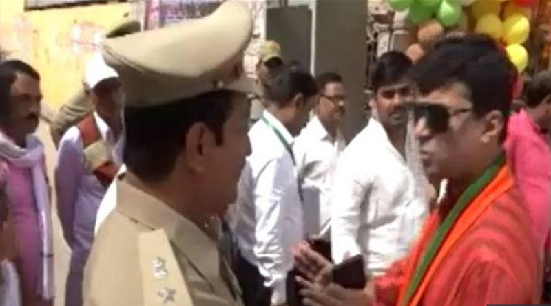 BJP MLA threatening Superintendent of Police in Allahabad.
