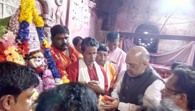 BJP president Amit Shah visits Tarpith temple