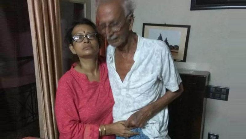 Ultadanga: WhatsApp unites lost man with family