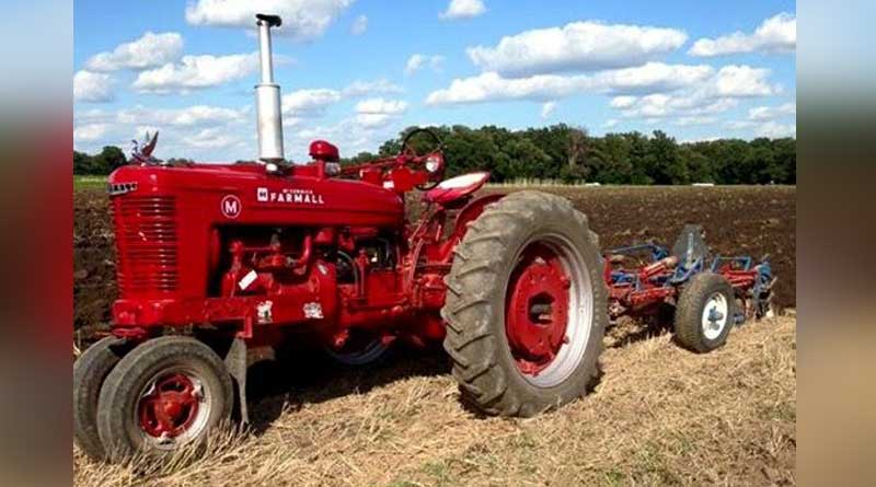 Maharashtra: Man throws mother in front on tractor after dispute