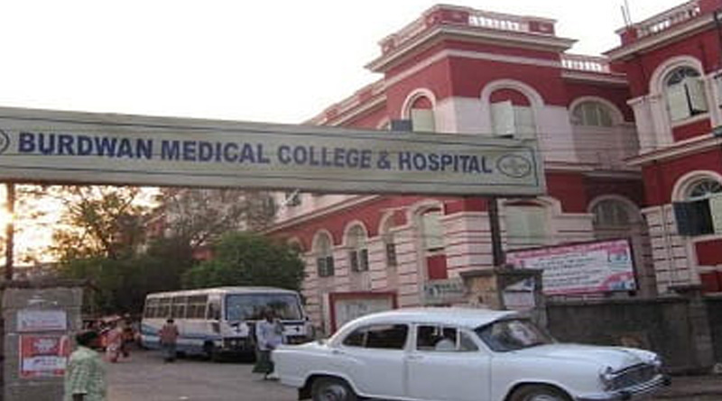Doctors of burdwan medical college beaten up by patient's relatives, protest going on