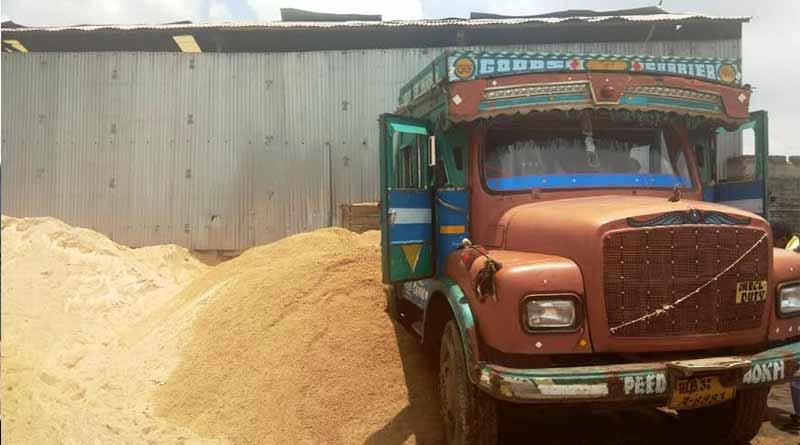 Illegal sand mining rampant in Durgapur