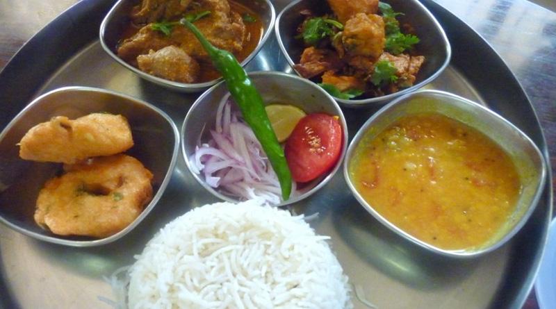SB Park Sarbojanin offers lunch for Rs 5 at SSKM Hospital premises