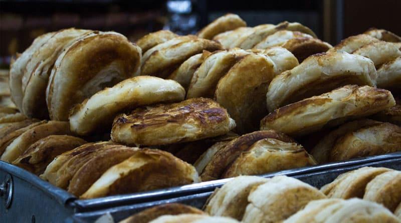 fake cake biscuits flooding Burdwan market